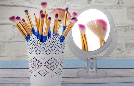 miroir et maquillage